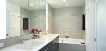 Large-Wall-Mirror-in-Small-Contemporary-Bathroom